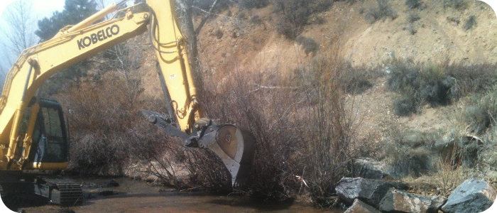 Red-River-in-Red-River-NM-Excavator-in-River